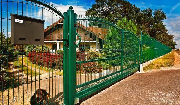 Sprzedaż hurtowa paneli ogrodzeniowych